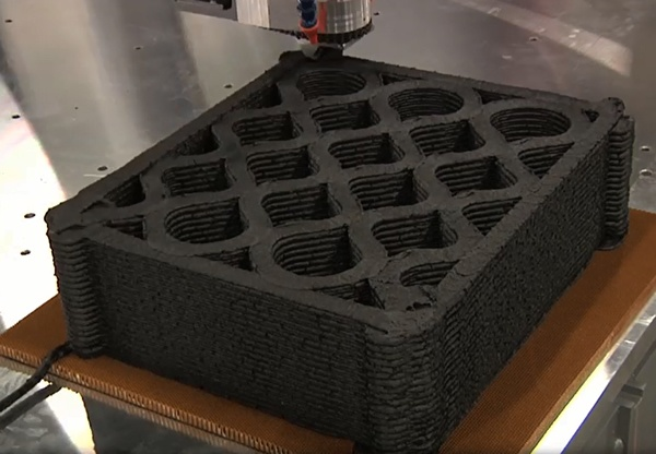More complex pattern during the additive process